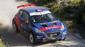 Sainz opět za volantem rallyového speciálu