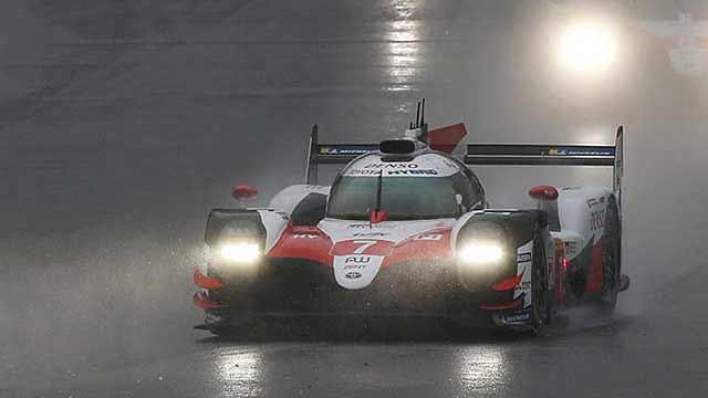Deštivých 6 hodin Šanghaje vyhrála Toyota